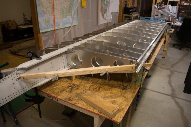 Wings 8 left wing skinning aft skins roth waiex 197 for Skin it fish skinner